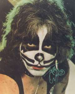 Peter Criss does makeup much better than me.